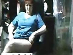 Chubby granny masturbate her pussy on webcam