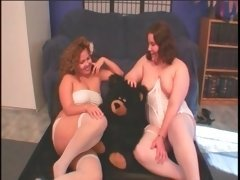 Blonde lesbo BBW having a taste of her GFs snatch
