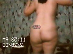 Nalgona bailando caliente desnuda. 4-7. plotsklot@