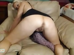 Webcam chubby mature blonde milf masturbating hard