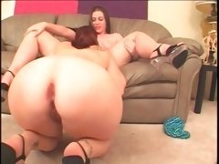 Naked BBW lesbos licking each others pink cunts